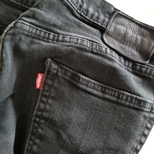 Levi's 513 Straight Slim Black Jeans